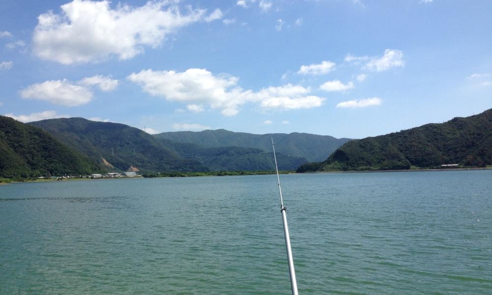 離島で釣りをする