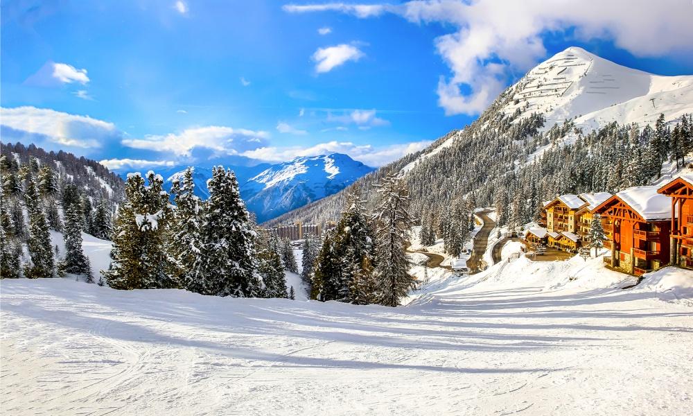 スキー場とロッジ